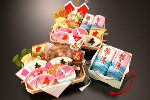 婚礼に使われている細工蒲鉾や焼き鯛、板かまぼこ